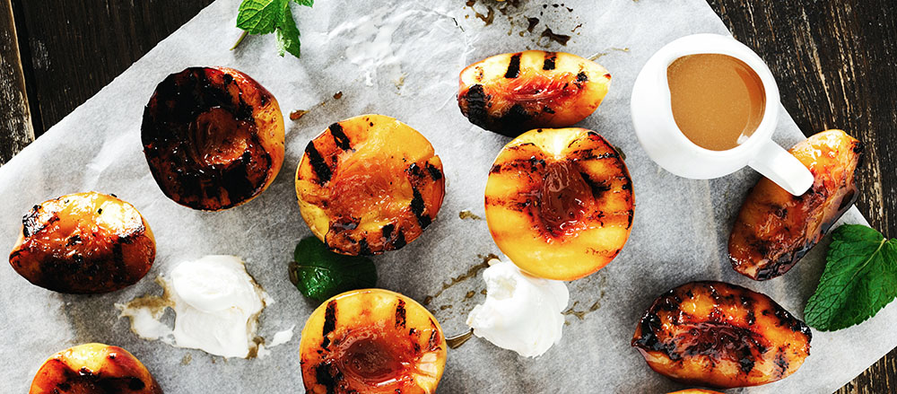 barbecued peaches with the sugar